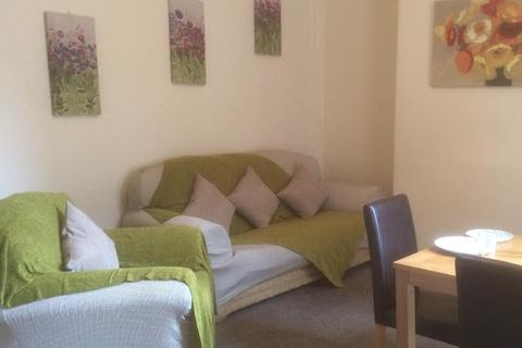 1 bedroom house share to rent - field street, hull, humberside, HU9 1HL