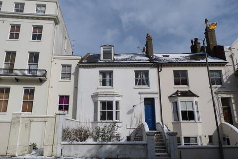 2 bedroom flat to rent - Buckingham Place, Brighton