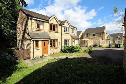 3 bedroom semi-detached house for sale - Petrel Close, Bradford, BD6 3YB