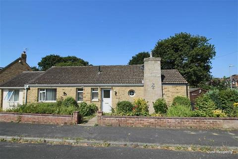 2 bedroom detached bungalow for sale - Ravine Close, Hastings