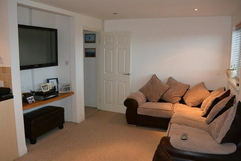 2 bedroom apartment to rent - East Hill