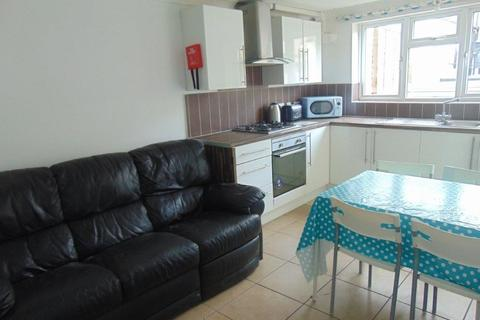 1 bedroom ground floor flat to rent - Lyon Street