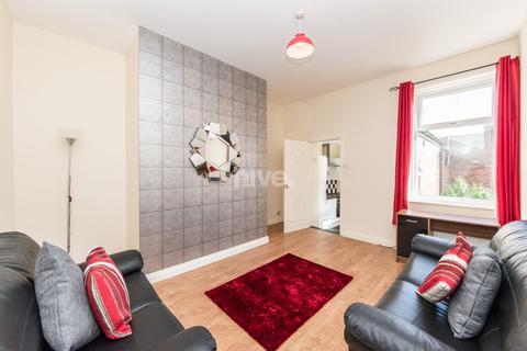3 bedroom flat to rent - Trewhitt Road, Heaton, Newcastle Upon Tyne