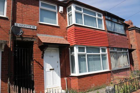 3 bedroom semi-detached house to rent - Gloucester Road, Droylsden