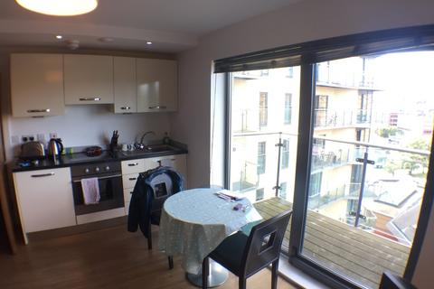 1 bedroom apartment to rent - Skyline