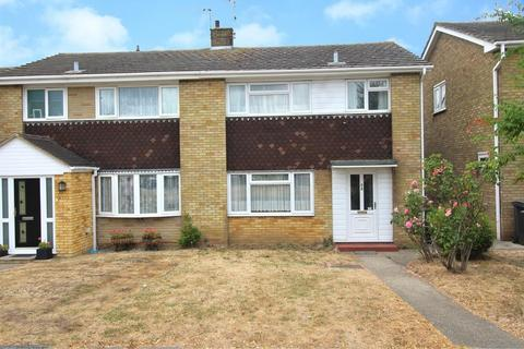 3 bedroom semi-detached house for sale - Waveney Drive, Chelmsford, Essex, CM1