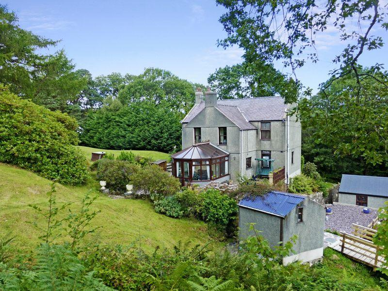 3 Bedrooms Detached House for sale in Llanberis, Caernarfon