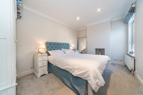 2 bedroom flat for sale - Junction Road, Ealing