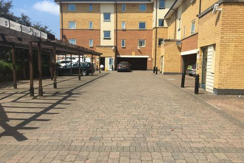 2 bedroom flat for sale - Orton Grove, Enfield