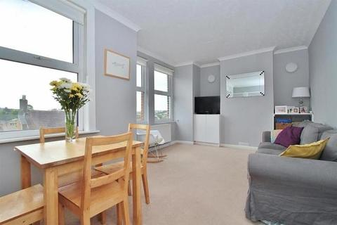 2 bedroom house to rent - Bear Road, Brighton, BN2