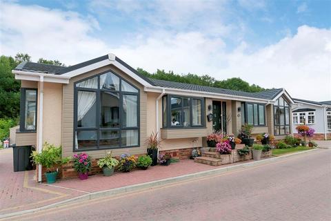 2 bedroom park home for sale - Franklins Avenue, Pilgrims Retreat, Maidstone, Kent