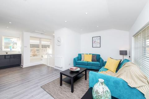 2 bedroom apartment to rent - Hermitage Wall, Wapping, E1W