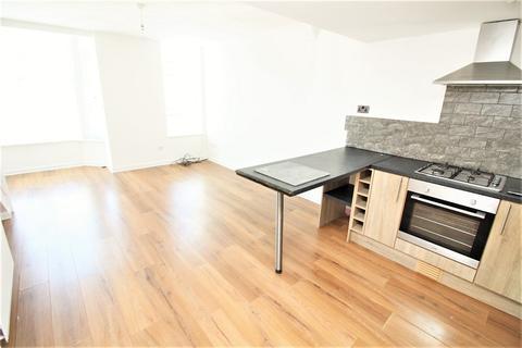 2 bedroom maisonette to rent - 15 Bush Street, Pembroke Dock, Pembrokeshire. SA72 6XB