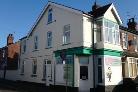 2 bedroom flat to rent - Carholme Road, Lincoln, LN1