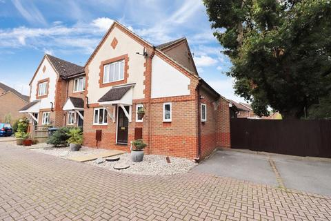 3 bedroom end of terrace house for sale - Wheatsheaf Close, Burgess Hill, West Sussex