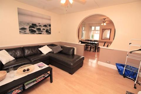 1 bedroom in a house share to rent - Dunmorlie Street, Byker