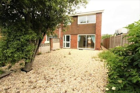 3 bedroom semi-detached house to rent - Gloucester Close, Charlestown, Weymouth, DT4 9TN