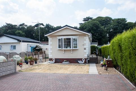 2 bedroom mobile home for sale - Lower Lodge Residential Mobile Home Park, Rugeley Road, Armitage, Rugeley, WS15 4AY