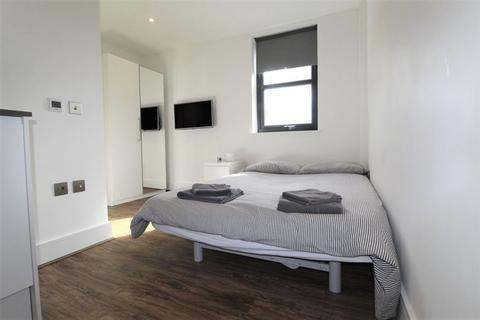 Studio to rent - Hampden Road, Turnpike Lane, N8
