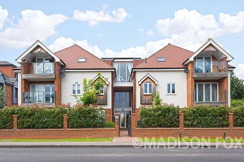 2 bedroom penthouse for sale - Manor Road, Chigwell, IG7