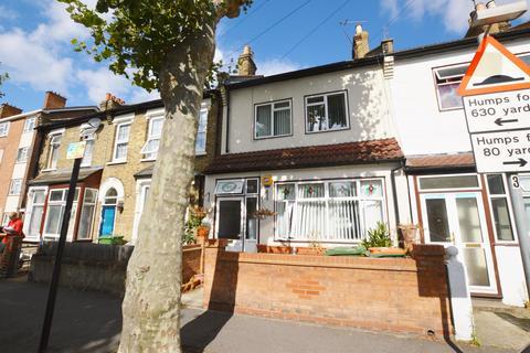 3 bedroom terraced house for sale - Grangewood Street, East Ham, London, E6 1HB