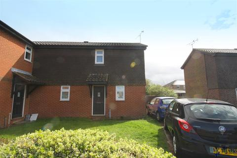 2 bedroom end of terrace house to rent - Essella Road, Ashford