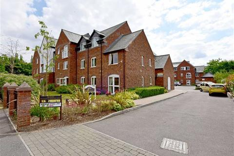 2 bedroom apartment for sale - 20 Wombrook Court, Walk Lane, Wombourne, Wolverhampton, West Midlands, WV5