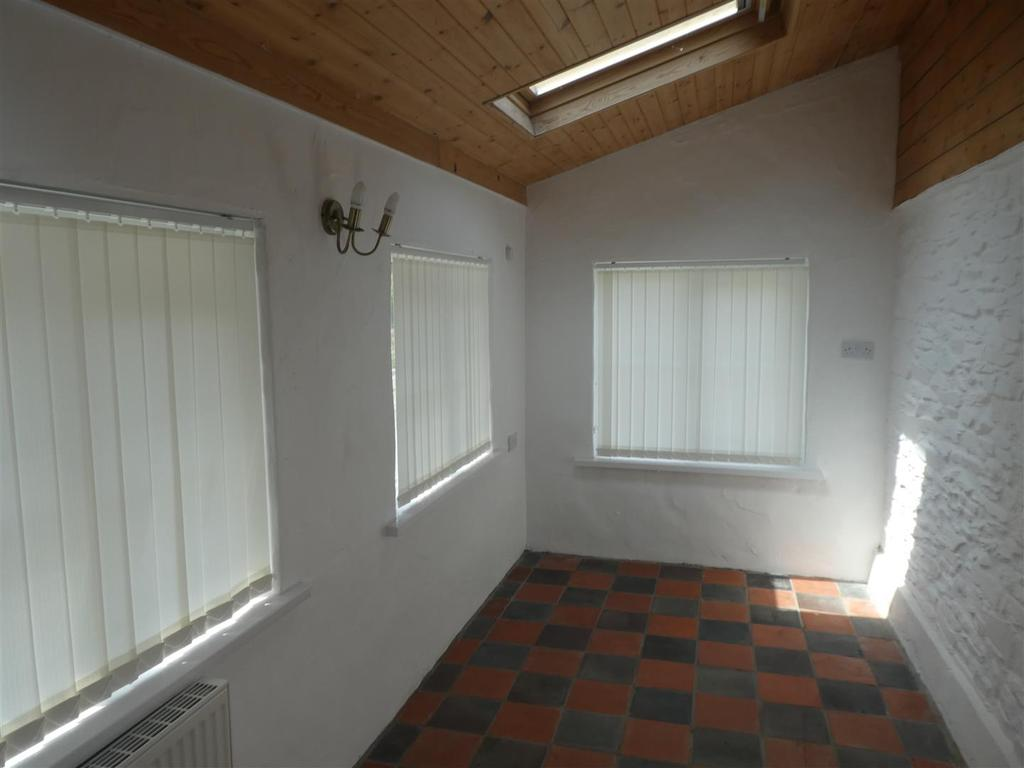Sun room/ Bedroom  3