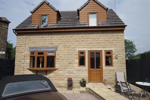 3 bedroom detached house for sale - Arthur Street, Idle, BD10.