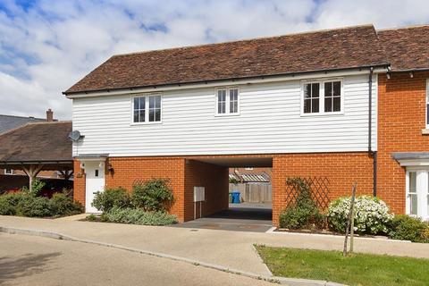 2 bedroom flat to rent - All Saints Close, Sittingbourne