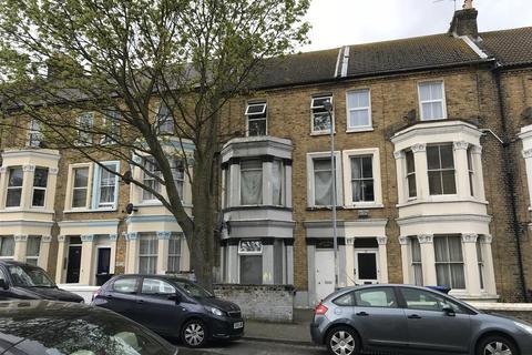 2 bedroom apartment to rent - Gordon Road, Margate