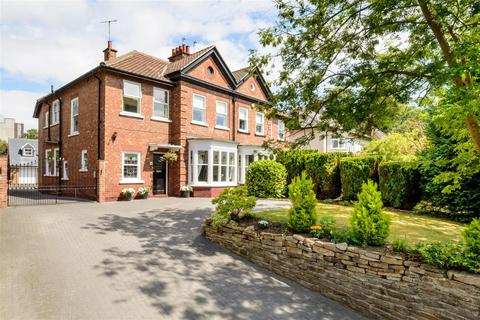 5 bedroom semi-detached house for sale - Woodland Road, Darlington