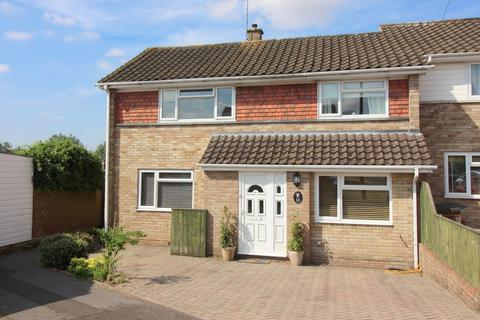 3 bedroom semi-detached house to rent - Covey Way, Alresford