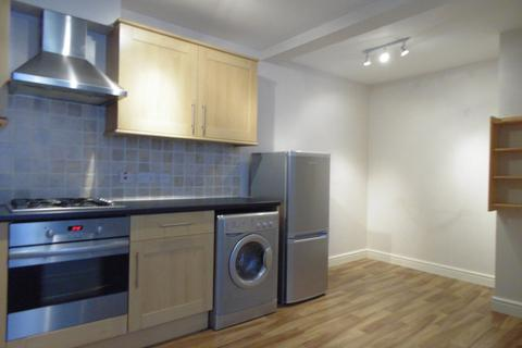 1 bedroom apartment to rent - Flat 2 Chiltlee View, 31 Haslemere Road