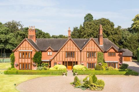 6 bedroom detached house for sale - Manor Park, Kings Bromley