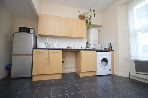 3 bedroom apartment to rent - Napier Terrace, Mutley, Plymouth