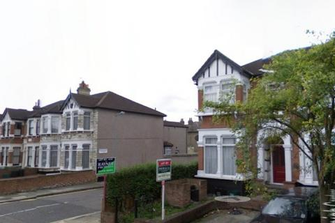 1 bedroom flat to rent - 51 The Drive,  Ilford, IG1