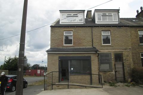Property to rent - Paley Road, East Bowling, BD4