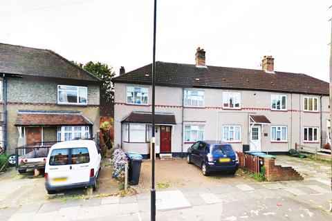 3 bedroom semi-detached house for sale - Carpenter Gardens, Winchmore Hill, N21