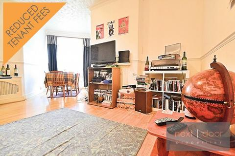 3 bedroom apartment to rent - Lilford Road,  Camberwell, SE5