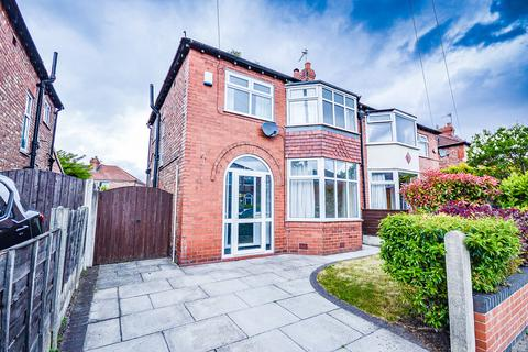 3 bedroom semi-detached house to rent - Downs Drive, Timperley