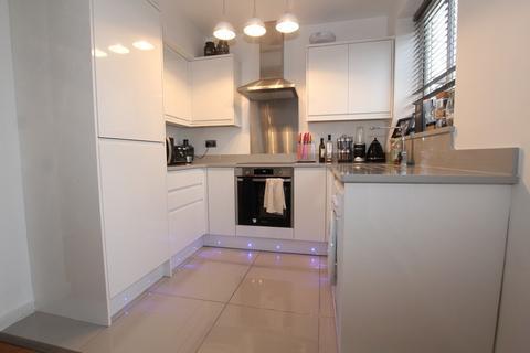 2 bedroom apartment to rent - Chalcombe Road, London
