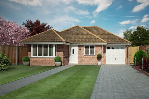 2 bedroom detached bungalow for sale - Clacton-on-Sea