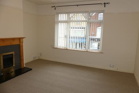 2 bedroom flat to rent - Portsmouth Road, Southampton