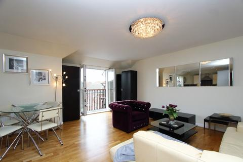 2 bedroom apartment to rent - Gilson Place, Coppetts Road