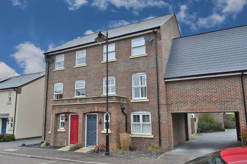 5 bedroom semi-detached house for sale - Newell Road, Stansted