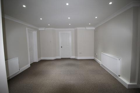 3 bedroom flat to rent - Harmer Street, Gravesend