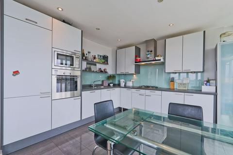 2 bedroom apartment to rent - Rayleigh Road Royal Victoria Dock E16