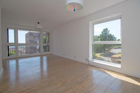 3 bedroom apartment to rent - Linchmere, Swanborough Drive