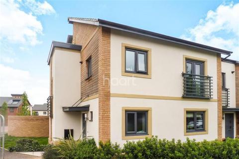 3 bedroom semi-detached house to rent - Hawksbill Way